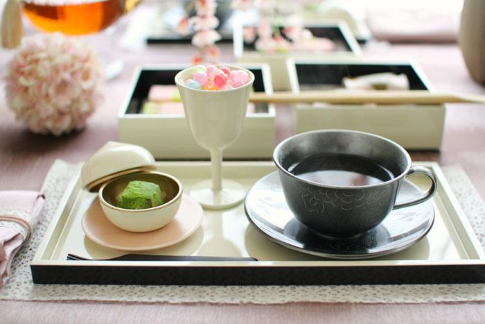 桜見のアフターヌーンティー 『漆×おもてなしのコーディネート』